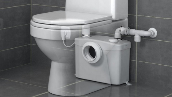 Plombier remplacement sanibroyeur WC pompe